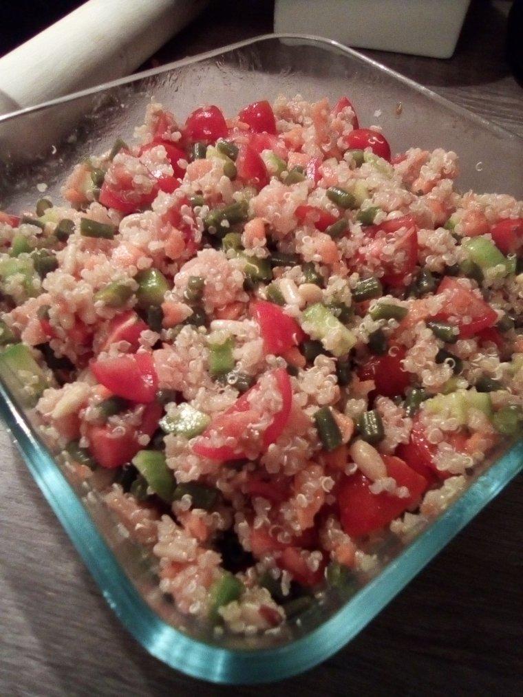 Taboulé quinoa saumon légumes
